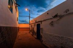 Tenerife landskap - Costa Adeje natt royaltyfria bilder