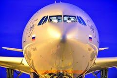 TENERIFE 24 NOVEMBER: Het vliegtuig die, 24 Nov., 2017, Tenerife kan landen Royalty-vrije Stock Foto