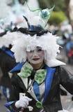 TENERIFE, O 28 DE FEVEREIRO: Caráteres e grupos no carnaval Imagens de Stock Royalty Free