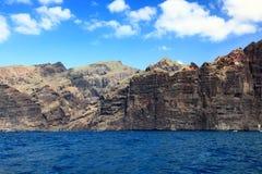 Tenerife - os penhascos de Los Gigantes imagens de stock