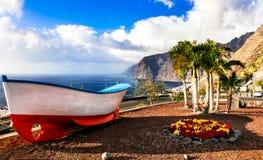 Teneriffa-Feiertage - schöner Los Gigantes Kanarische Inseln lizenzfreie stockfotos