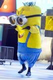 TENERIFFA, AM 20. JANUAR: Karnevalsgruppen und kostümierte Charaktere Lizenzfreie Stockfotografie