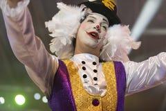 TENERIFFA, AM 20. JANUAR: Karnevalsgruppen und kostümierte Charaktere Stockbilder