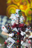 TENERIFFA, AM 20. JANUAR: Karnevalsgruppen und kostümierte Charaktere Lizenzfreies Stockfoto