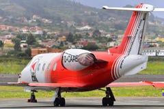 TENERIFFA AM 19. JULI: Sanitätsflugzeug in Teneriffa-Nordflughafen 19. Juli 2017 Kanarische Inseln Spanien Teneriffas Lizenzfreies Stockfoto