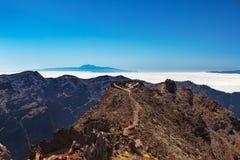 Teneriffa- und Gomera-Ansicht vom La Palma Stockfotos