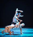 Tenez dessus sur chaque autre-course dans le danse-chorégraphe labyrinthe-moderne Martha Graham Photo stock