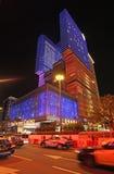 Tenez le premier rôle le casino du monde et l'hôtel par nuit, Macao Photographie stock libre de droits