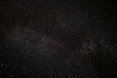 Tenez le premier rôle le ciel la nuit, fond de l'espace de manière laiteuse Image libre de droits