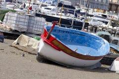 Tenga la barca Fotografia Stock