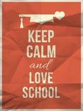 Tenga la citazione calma di progettazione della scuola di amore con il focolare del cappello di graduazione Fotografie Stock Libere da Diritti