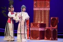 """Tenga la idea de escaparse con un amante-Kunqu el  del oeste de Chamber†del """"the de la ópera imagenes de archivo"""