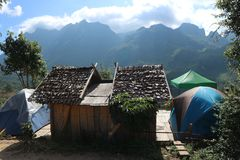 Tenga prohibición Rabiang Dao de la diversión en Amphoe Chiang Dao, inThailand de Chiang Mai 20-12-17 Fotografía de archivo libre de regalías