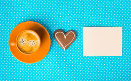 Tenga un día agradable, buena mañana con la taza de café Foto de archivo libre de regalías