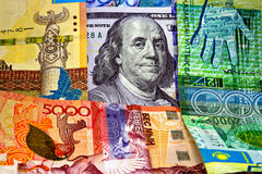 TENGE του Καζακστάν χρημάτων και το αμερικανικό δολάριο Στοκ Εικόνα
