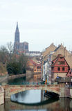 Tenger-Frankrijk. Mening aan middeleeuwse brug Ponts Couverts en Strasb Stock Foto