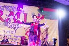 Tenggarong Juli 2017 Thailand pardansare sammanfogar i erauen Inte arkivbild