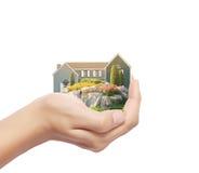 Tenir l'entreprise immobilière de maison Photos libres de droits