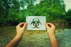 Tenir le symbole d'infection image stock
