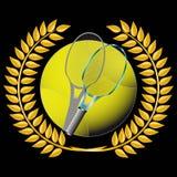 Tenis y guirnalda de oro Foto de archivo libre de regalías