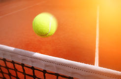 Tenisowe piłki na sądzie Zdjęcia Stock