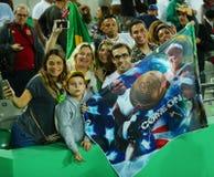 Tenisowych fan poparcia Olimpijski mistrz Serena Williams Stany Zjednoczone podczas przerzedże wokoło dwa dopasowania Rio 2016 ol Zdjęcia Royalty Free