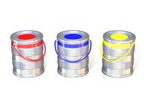 Tenn- cans för metall med grundläggande målarfärg för färger (rött, blått och grönt) Arkivfoto