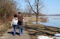 Tennagers en parc Image libre de droits