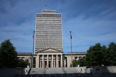 Tennessee Capitol and War Memorial Auditorium. The Tennessee State Capitol, located in Nashville, Tennessee, is the home of the Tennessee legislature, and the Stock Images