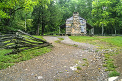 Tennessee Mountain Home. The John Oliver Cabin on the Cades Cove loop is a historical public display located in the Great Smoky Mountains National Park Stock Images
