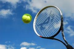 Tennis in actie stock foto's