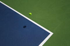 Tennis Ball Bounce Royalty Free Stock Photos