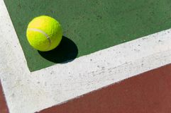 Tennis ball on Court Royalty Free Stock Images