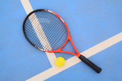 Tennis ball and tennis racket Royalty Free Stock Photography