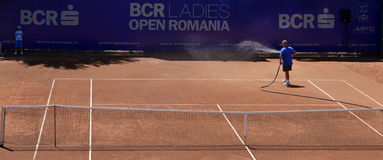 Tennis court refreshed. At BCR Ladies Open Romania, 18-23 July 2011 at Herastrau Tennis Academy in Bucharest Stock Photo