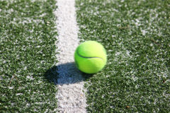 tennis de cour de bille Photographie stock