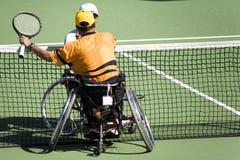 Tennis de présidence de roue pour les personnes handicapées (hommes) image libre de droits