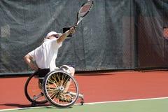 Tennis della presidenza di rotella per le persone invalide (donne) fotografie stock