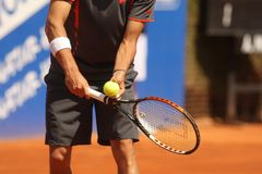 Tennis di servire Immagine Stock