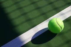 tennis för 4 bollar Arkivbilder