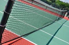 Tennis-Gericht und Netz Stockfoto