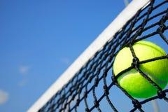 Tennis klumpa ihop sig Royaltyfri Foto