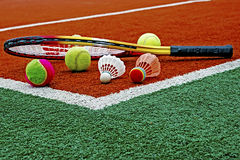 Tennis klumpa ihop sig, Badmintonshuttlecocks & Racket-4 Arkivfoto