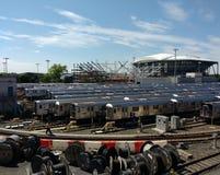 Tennis Louis Armstrong Stadium Under Construction åt sidan Arthur Ashe Stadium, NYC, NY, USA Royaltyfri Foto