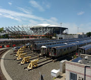 Tennis, Louis Armstrong Stadium Under Construction opzij Arthur Ashe Stadium van Corona Rail Yard, NYC, NY, de V.S. stock foto