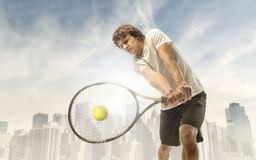 Free Tennis Player Royalty Free Stock Photos - 18252148