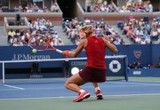Tennis professionista Angelique Kerber della Germania nell'azione durante la terza partita del giro di US Open 2015 Fotografie Stock