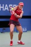 Tennis professionista Angelique Kerber della Germania nell'azione durante la terza partita del giro di US Open 2015 Immagini Stock