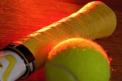 Tennis und Leuchte Lizenzfreies Stockfoto