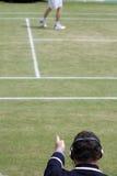 Tennis-Zeile Richter-Ausrufen Stockbild